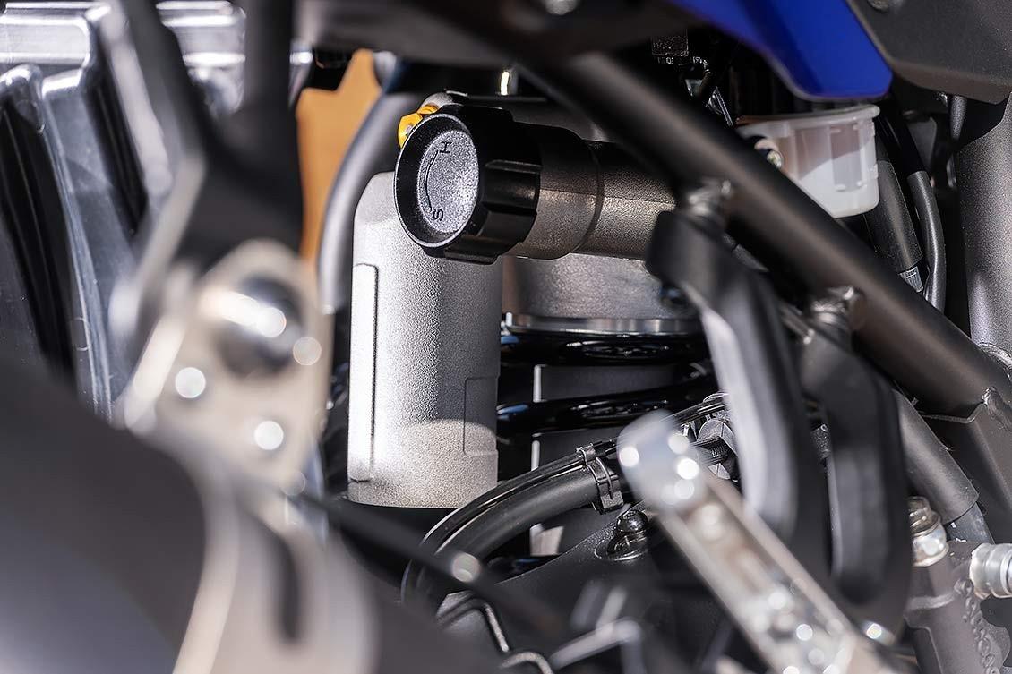 Sistema de suspensión trasero con bieletas típico de las motos de rally