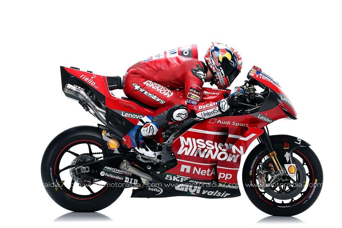Presentada la nueva imagen toda roja de la Ducati Desmosedici GP19