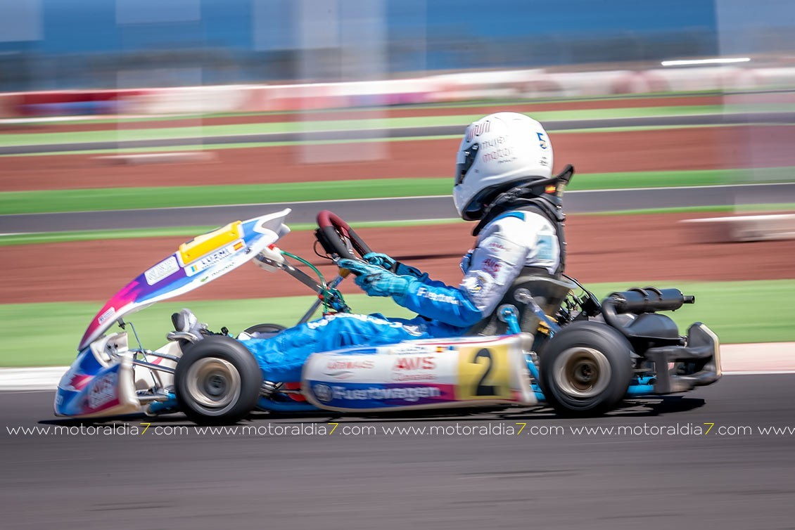 Espectaculares carreras en el inicio del Regional de Karting en Lanzarote